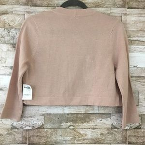 Charlotte Russe Sweaters - 🎄NWT Charlotte Russe Pink Shrug Sweater sz. M🎁